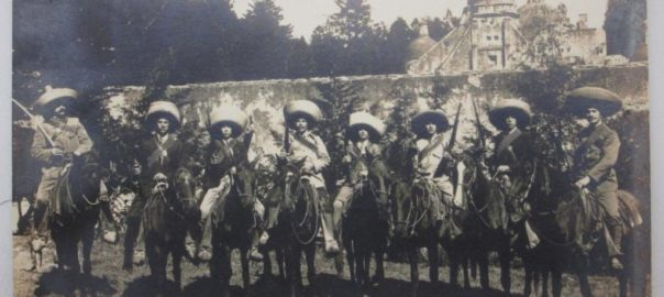 Revolucionarios latinoamericanos a caballo